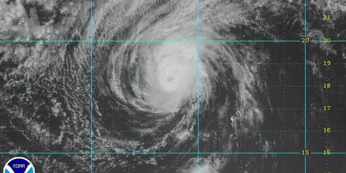 Huracán Kenneth se debilita en el Pacífico