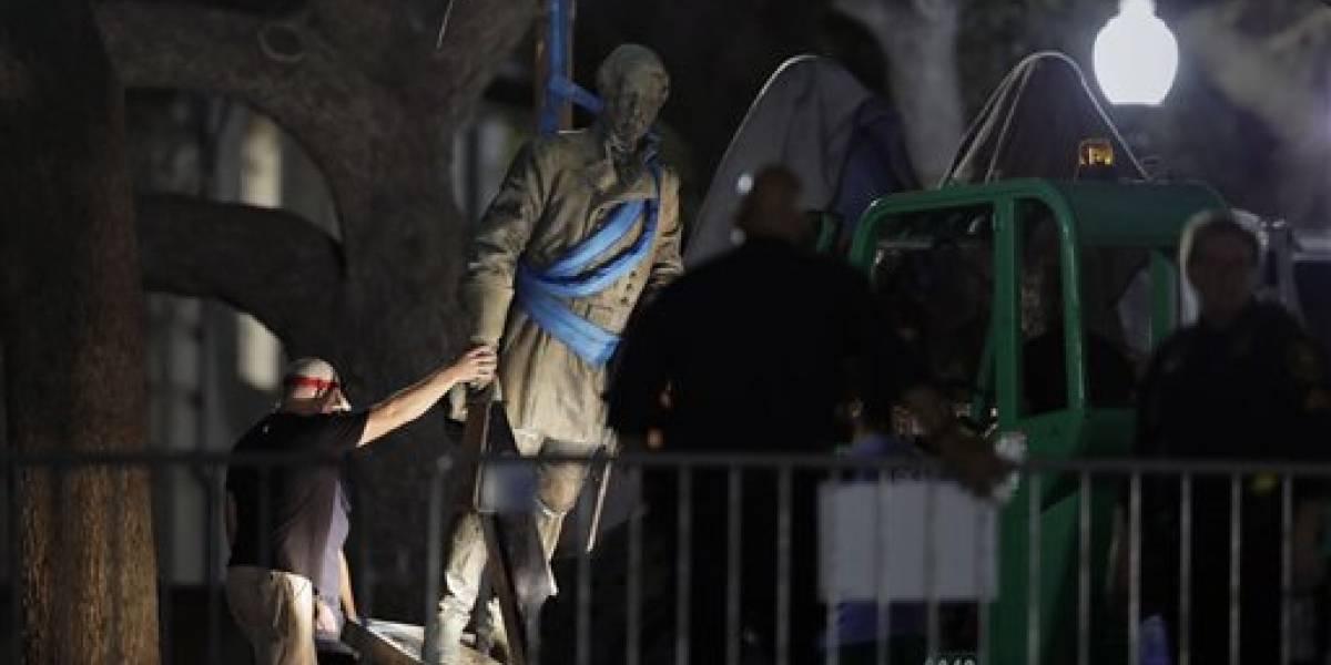 Universidad de Texas en Austin retira estatuas confederadas