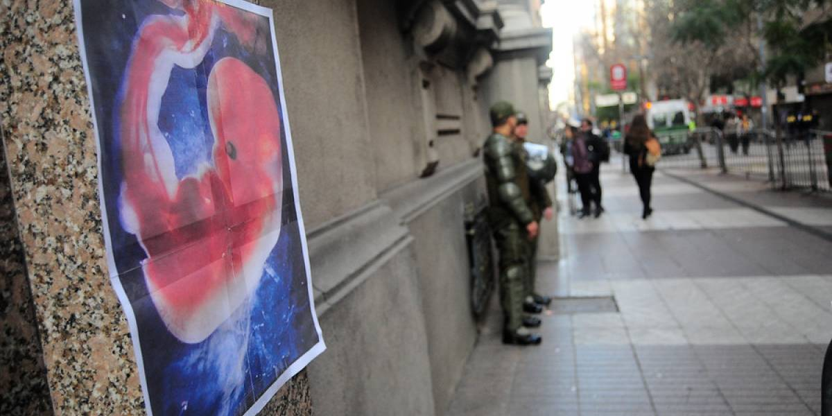 Chile sale de la lista de 8 países que no tenían legislación del aborto