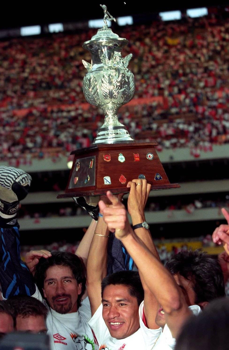 Ignacio Ambriz Actualmente el entrenador del Necaxa, siendo un o de los jugadores más emblemáticos dentro del equipo de 1983 al 2001 Ignacio Ambriz. / Mexport