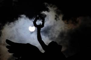 Eclipse solar, el cual se observó esta tarde en la Ciudad de México