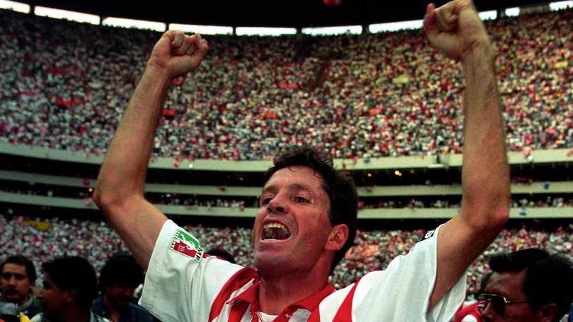 Ricardo Peláez Linares Un jugador que se convirtió en un referente dentro del equipo, con el cual llegó en 1997, siendo el mayor goleador histórico, al marcar 38 tantos. Ricardo Peláez. / Mexport