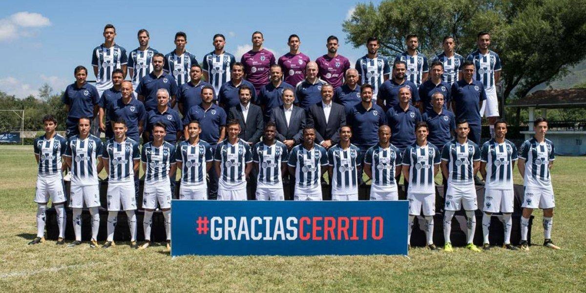 Dan Rayados las gracias a El Cerrito en foto oficial