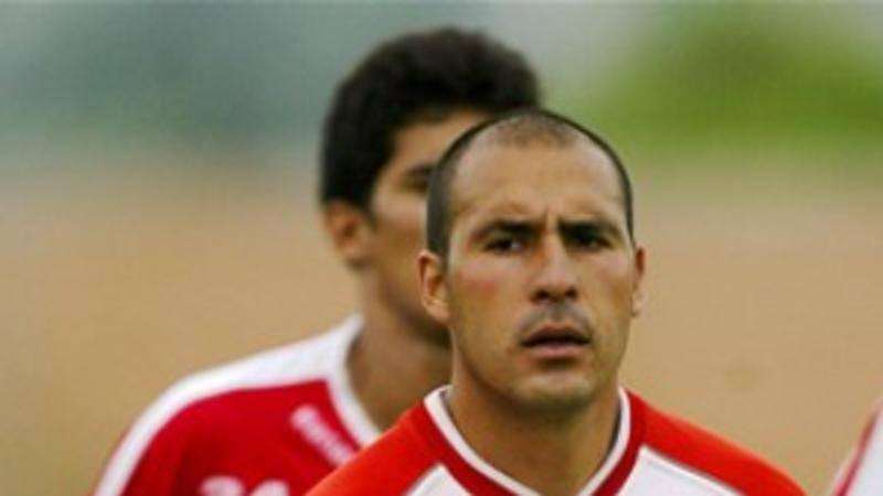 Salvador Cabrera Llegó al equipo en 1994, convirtiéndose en una pieza clave para el club. Destacando en cada uno de los partidos disputados. Salvador Cabrera. / Mexport