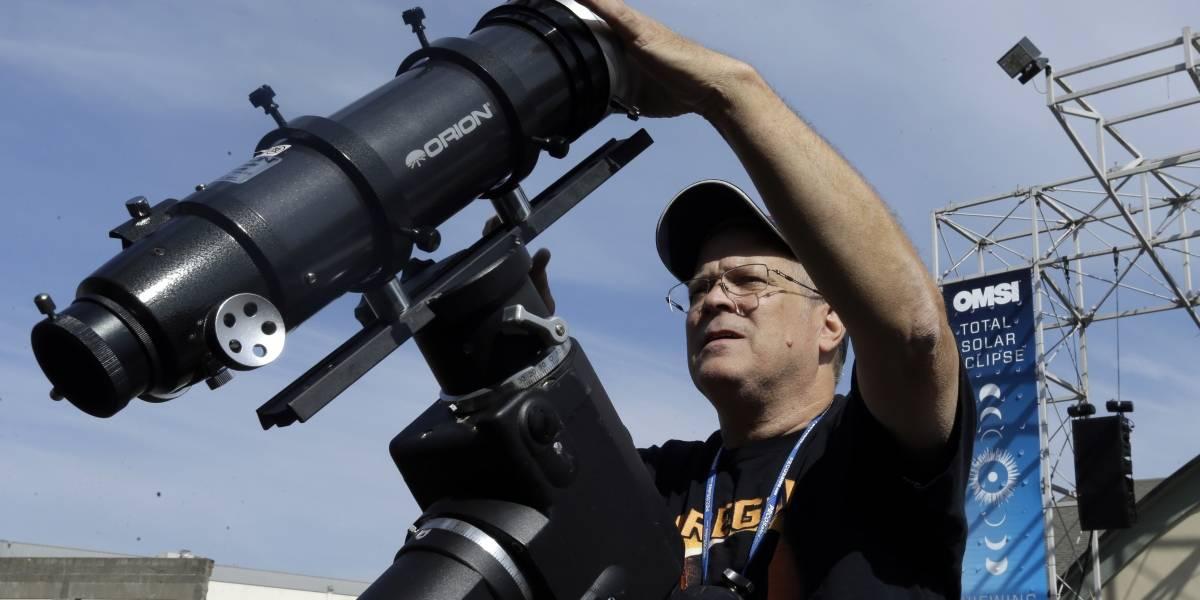 Eclipse solar deslumbra a los estadounidenses
