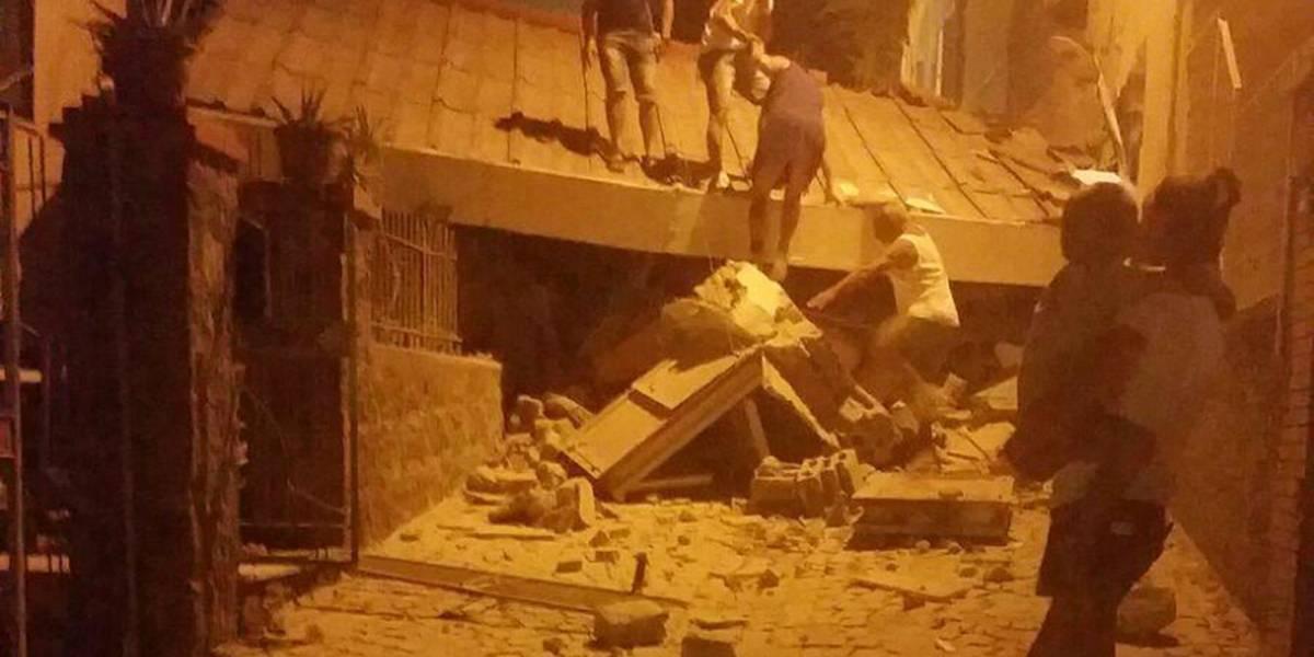 Un muerto y decenas atrapados en escombros por sismo en Italia