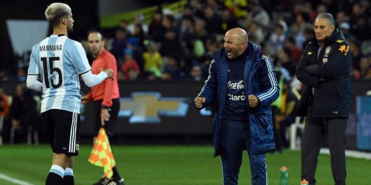 Hinchas argentinos agotaron entradas para el debut de Sampaoli en Argentina