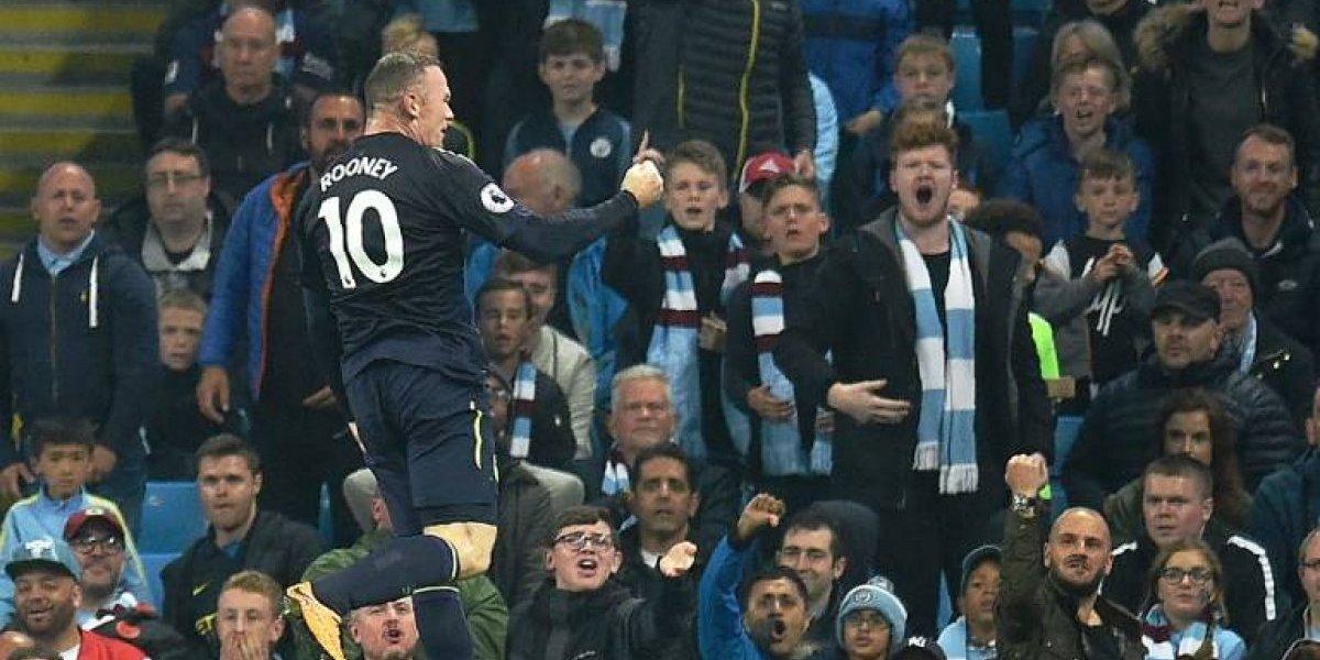 Rooney se burla de los hinchas del City: la foto que refleja una rivalidad que pasará a la historia