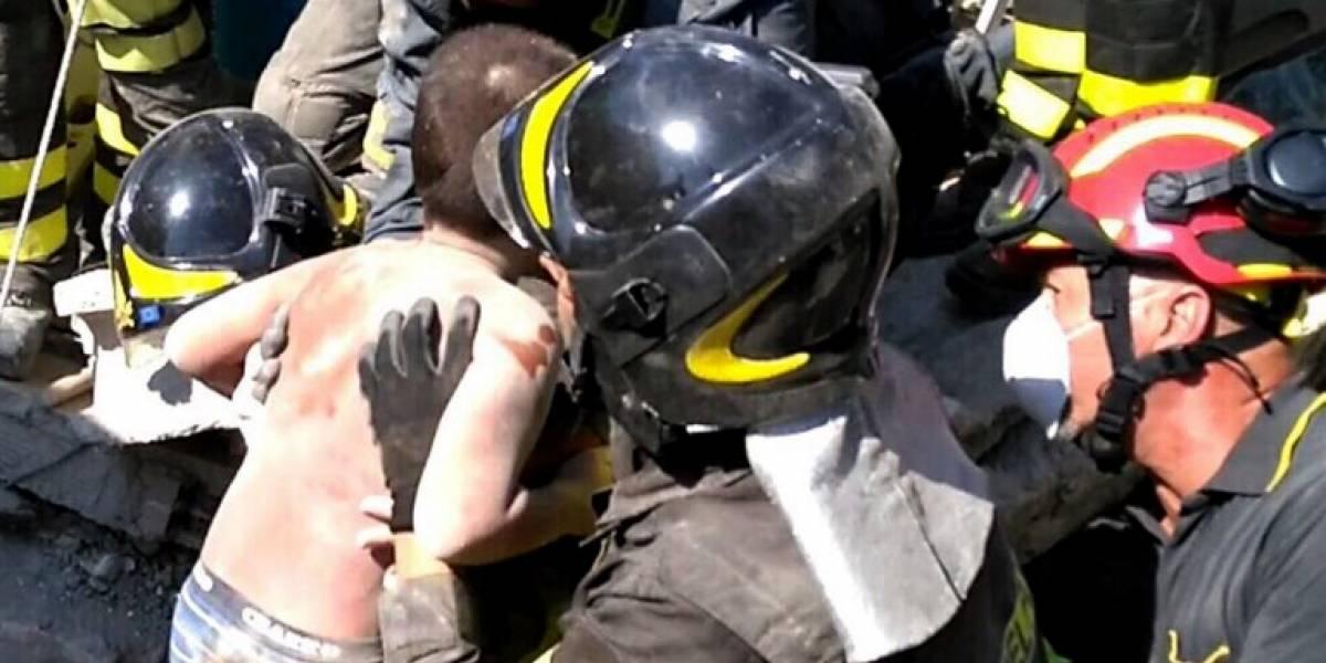 Dramático rescate: liberan de entre los escombros a dos menores tras terremoto de 4,0 en Italia