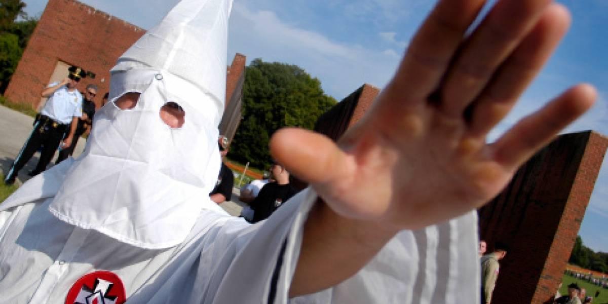 Cura católico que confesó haber militado en el Ku Klux Klan