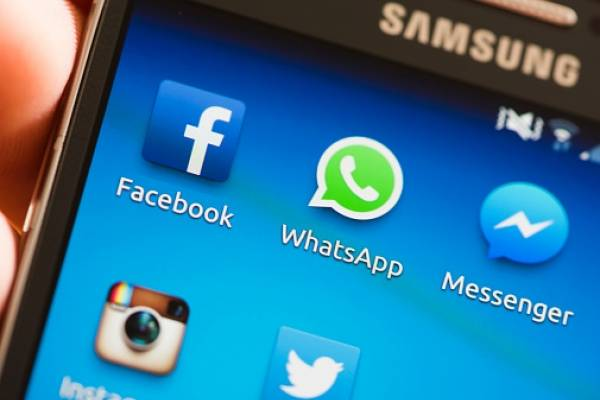 Estados coloridos de Facebook llegan a WhatsApp
