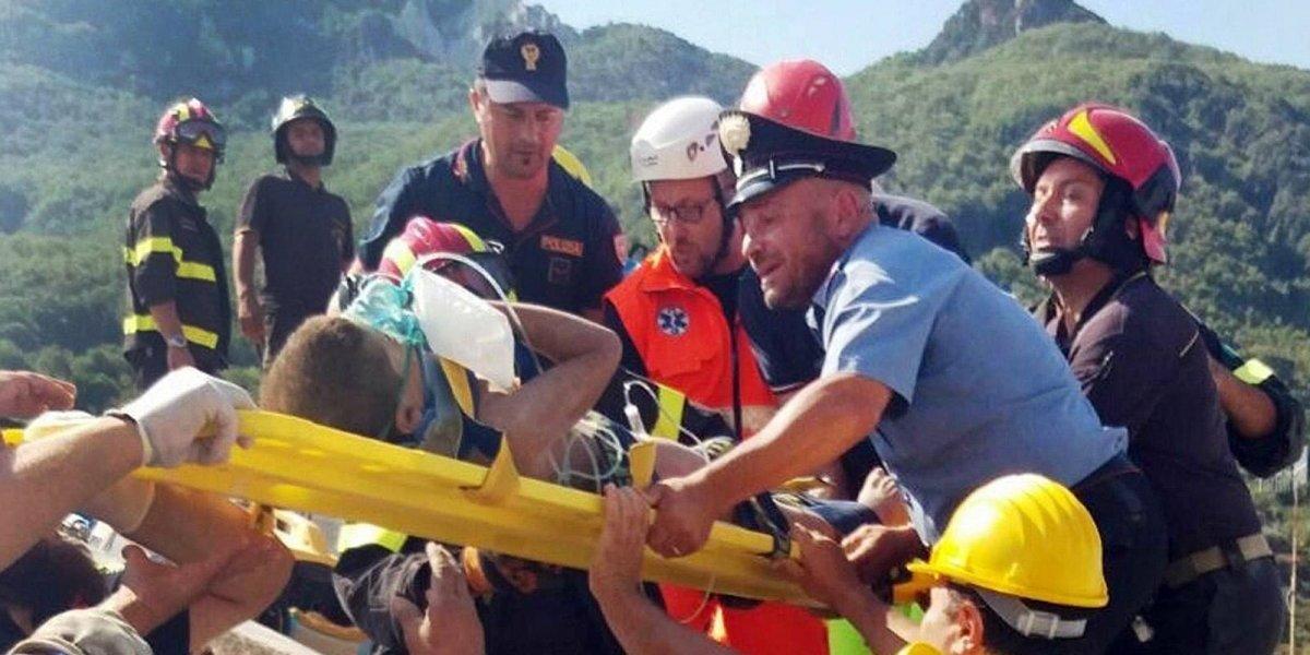 Rescatan a bebé de 7 meses y sus hermanos tras el sismo en Italia