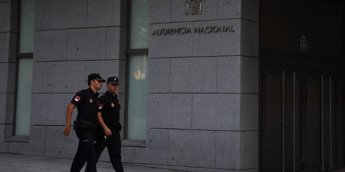 Detenidos por atentados en Cataluña comparecen ante el juez