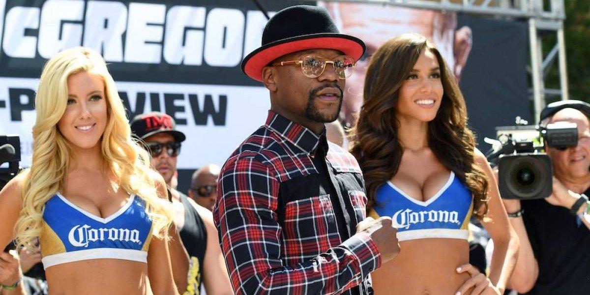 Mayweather y McGregor arribaron a Las Vegas para su pelea del sábado