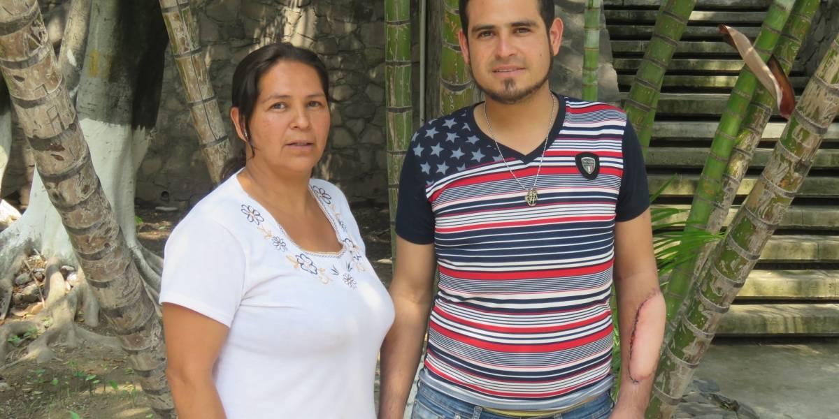 Médicos de Jalisco reconstruyen antebrazo de joven accidentado