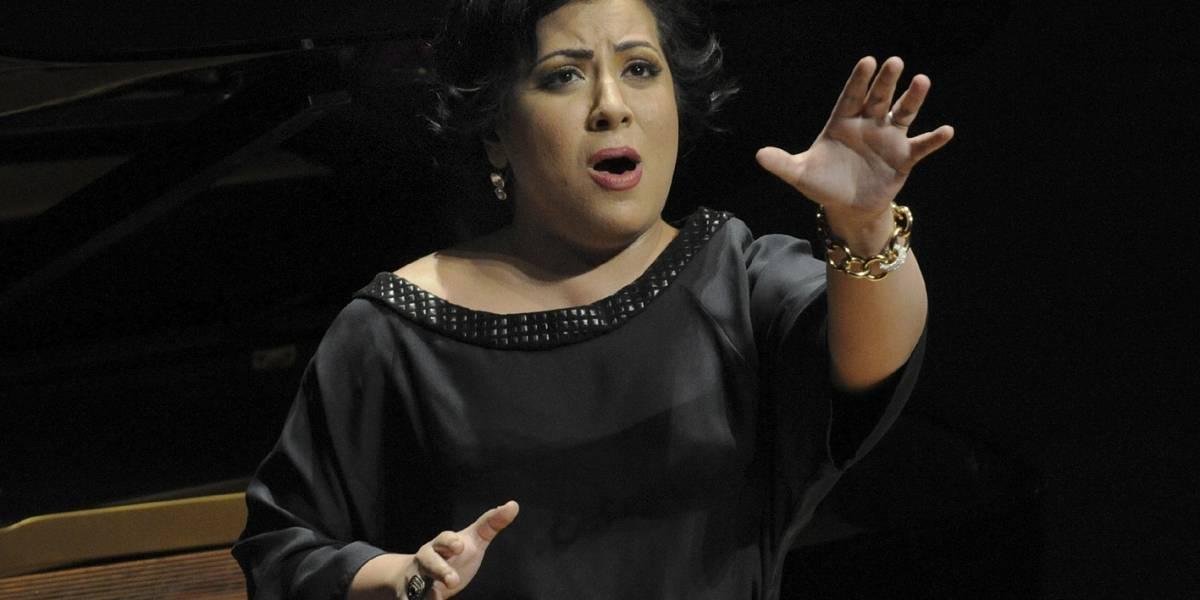 Soprano mexicana María Katzarava denuncia detención arbitraria de un amigo