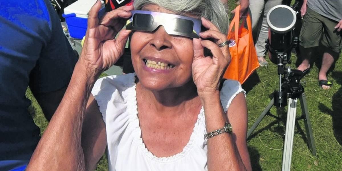 Eclipse solar detiene a Puerto Rico