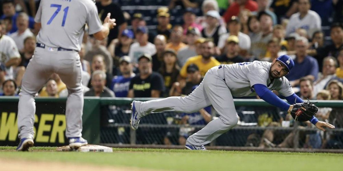 Adrián González hace historia al alcanzar los dos mil hits en Grandes Ligas