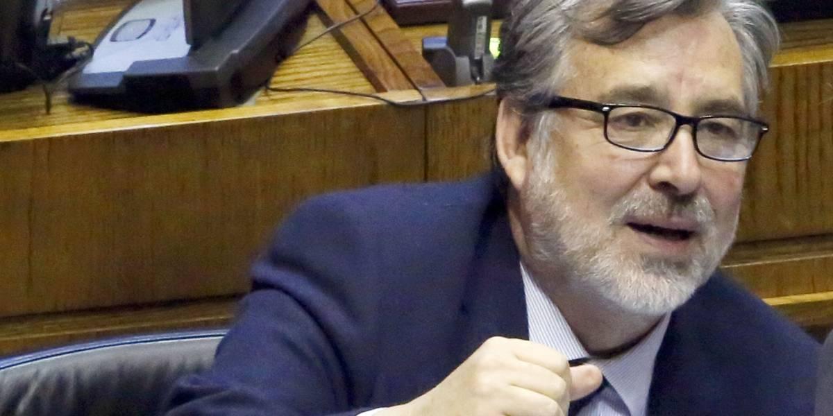 Alejandro Guillier no cerraría Punta Peuco