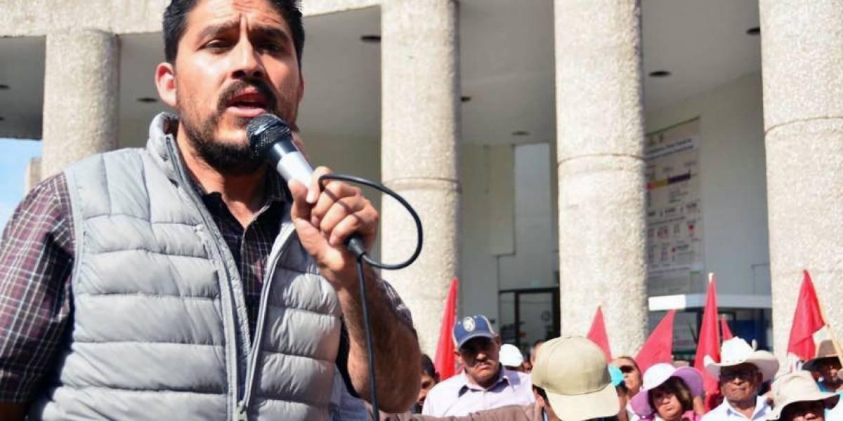 Acusan a policía de Omar Fayad de detener a líder antorchista y tres activistas