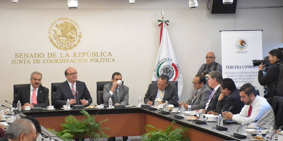 Comparece Ruiz Esparza ante la Permanente por Paso Exprés