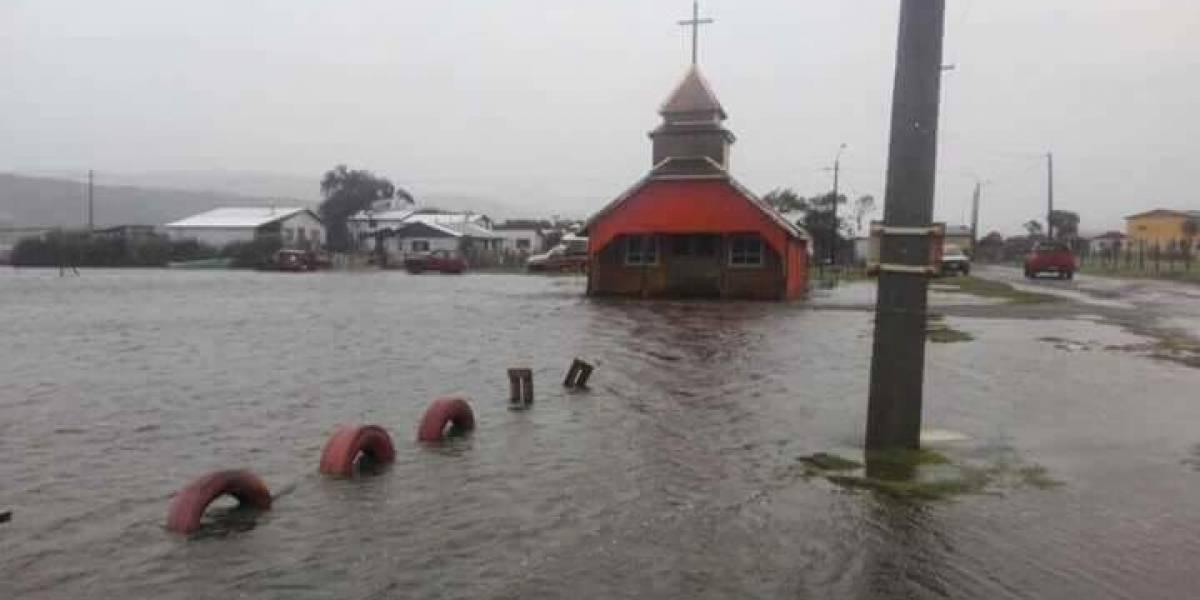 La lluvia no para: clases suspendidas para este jueves en Chiloé