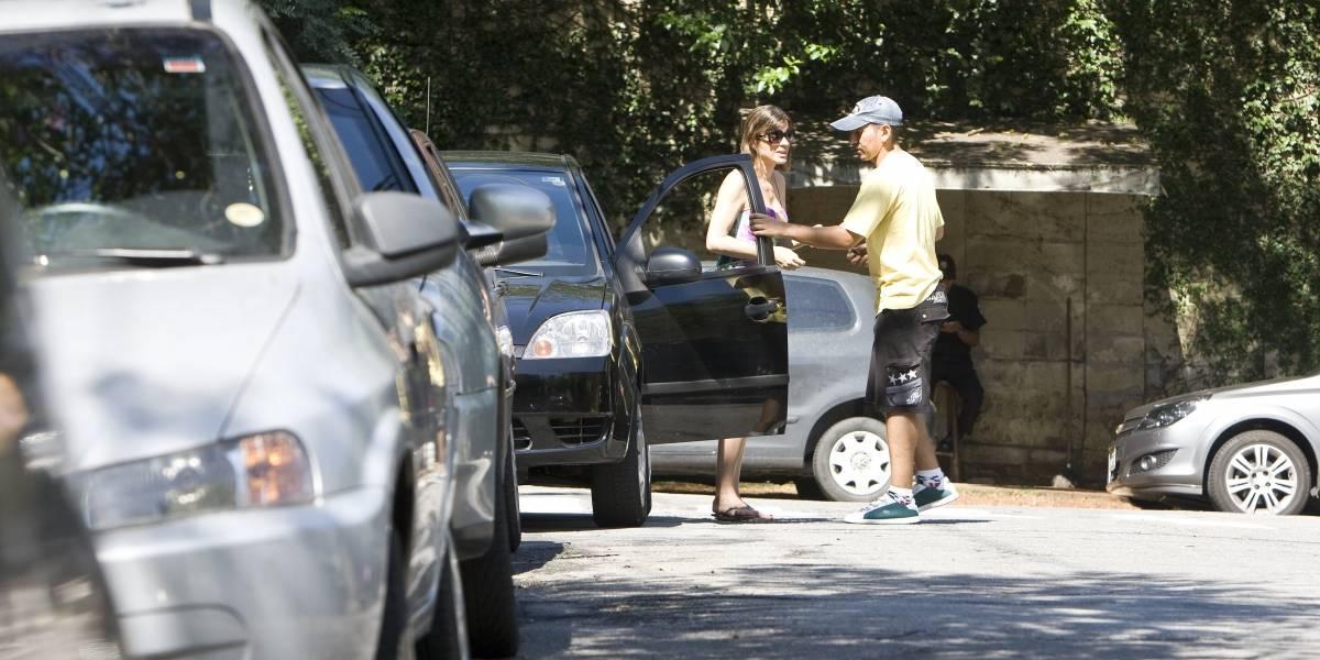 Doria sanciona lei que multa em R$ 1.500 flanelinha que ameaçar motorista