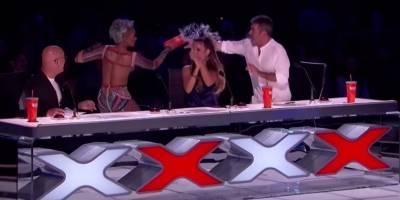 Ex-Spice Girl discute com colega após piada sobre escândalo sexual