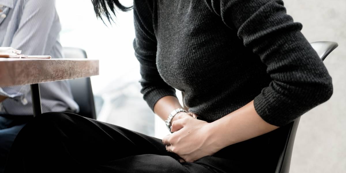 Mujer demanda exempleador por despido luego de