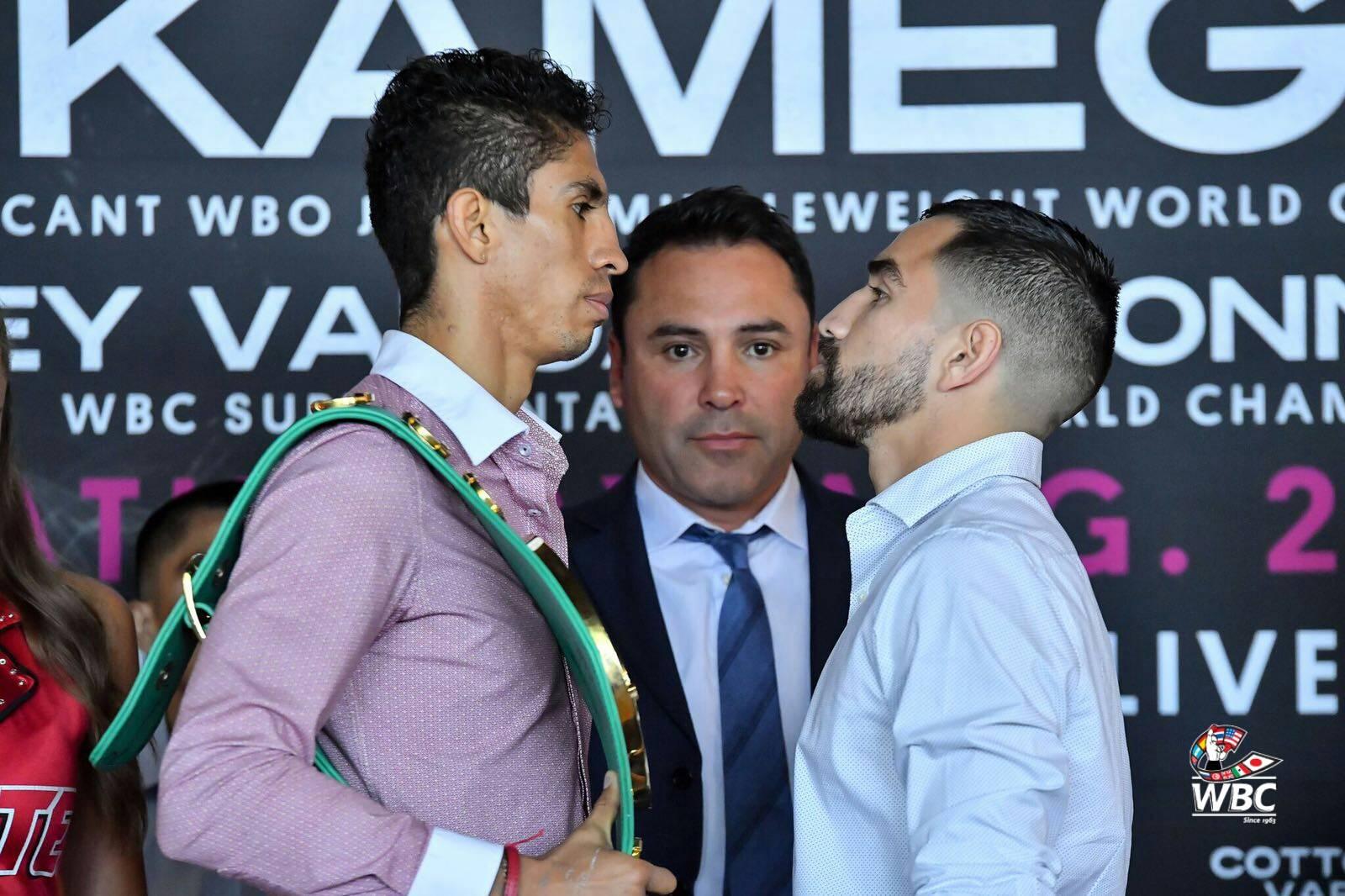 Ronny Ríos y Rey Vargas con Óscar de la Hoya Cortesía CMB