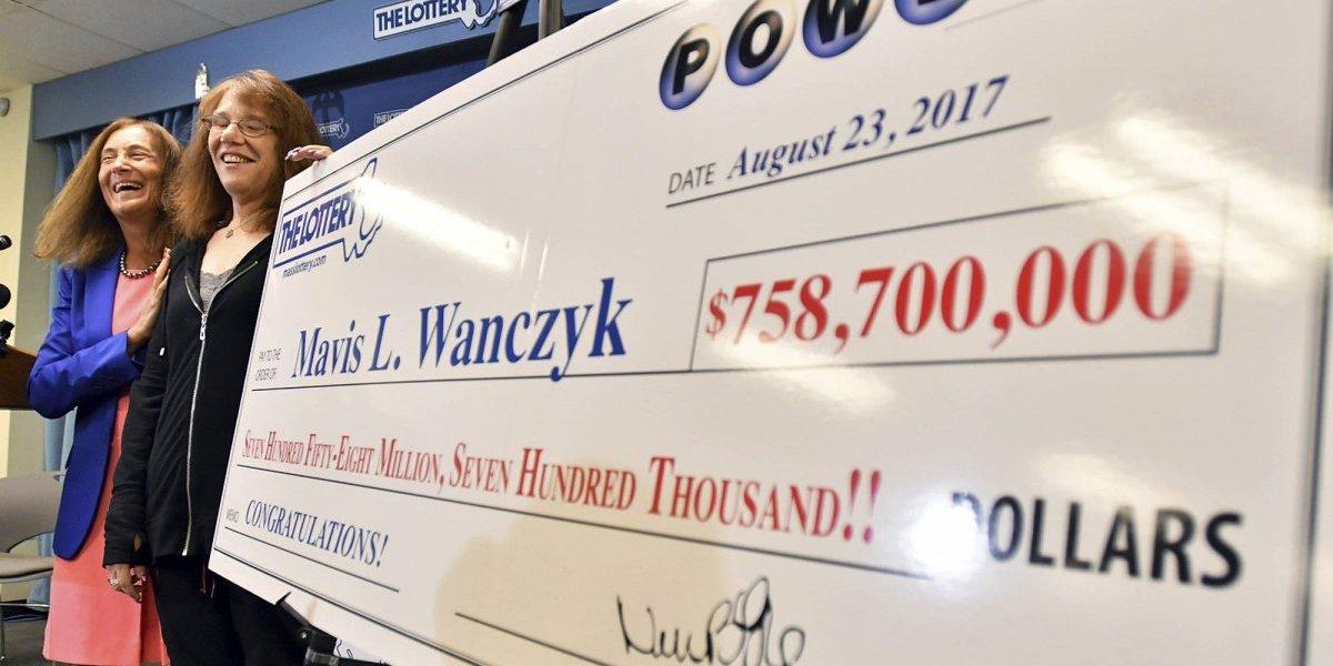 Empleada de hospital ganó 758 millones en la lotería Powerball