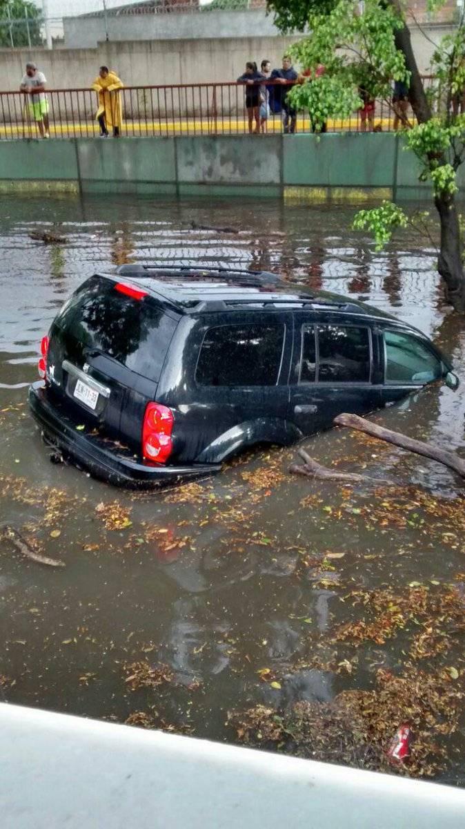 Semáforos para inundaciones ahora son adorno