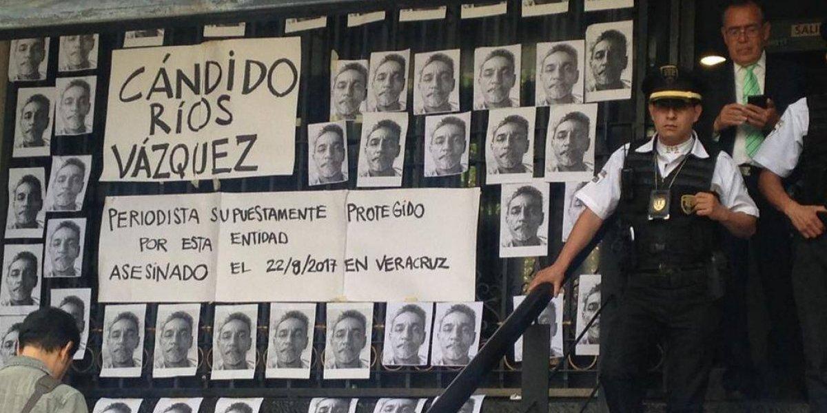 Periodistas protestan frente a Segob por el asesinato de Cándido Ríos
