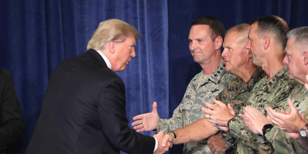 Trump da 6 meses al Pentágono para efectuar prohibición a transexuales