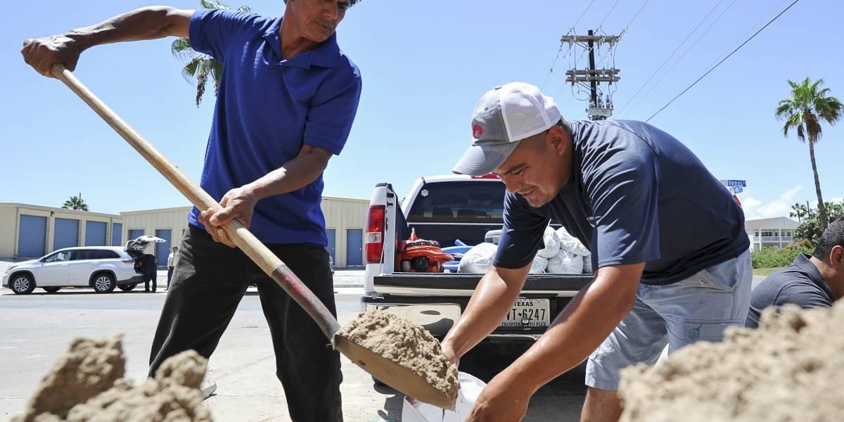 Huracán Harvey amenaza a Texas