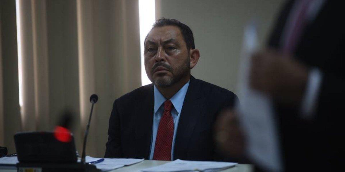 """López Bonilla afirma que """"abogados extranjeros"""" le pidieron que aceptara los hechos"""