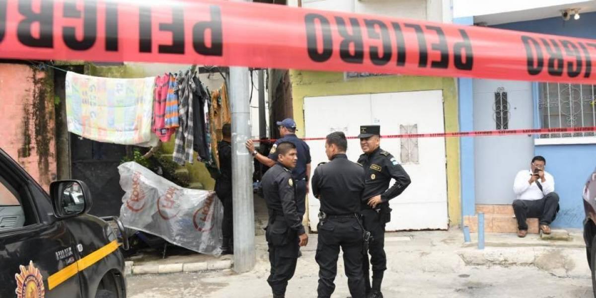 Mujer muere tras ser atacada a balazos en la zona 6