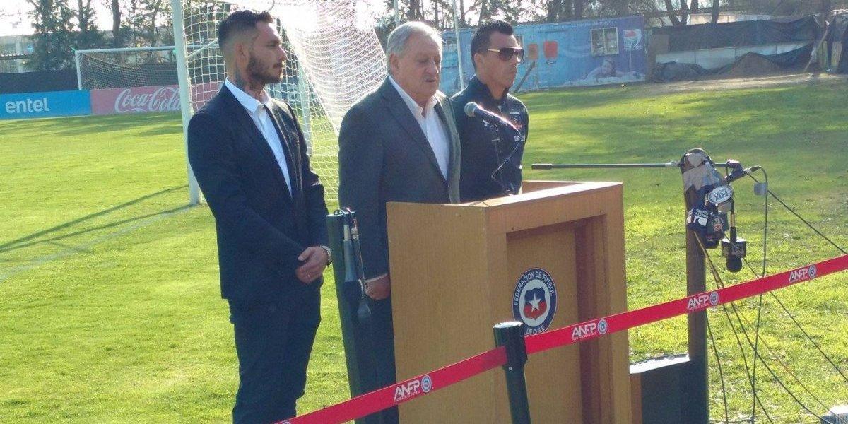 Salah, Paredes y Pinilla pidieron por la paz en el Superclásico