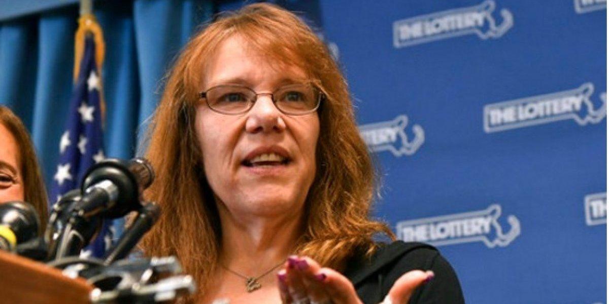 Mujer de 53 años, ganadora de los 700 millones del Powerball
