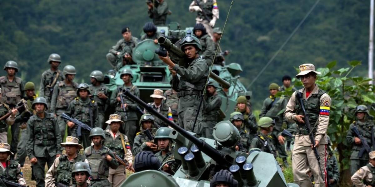 Militares venezolanos en maniobras bajo fuerte tensión con gobierno de Trump