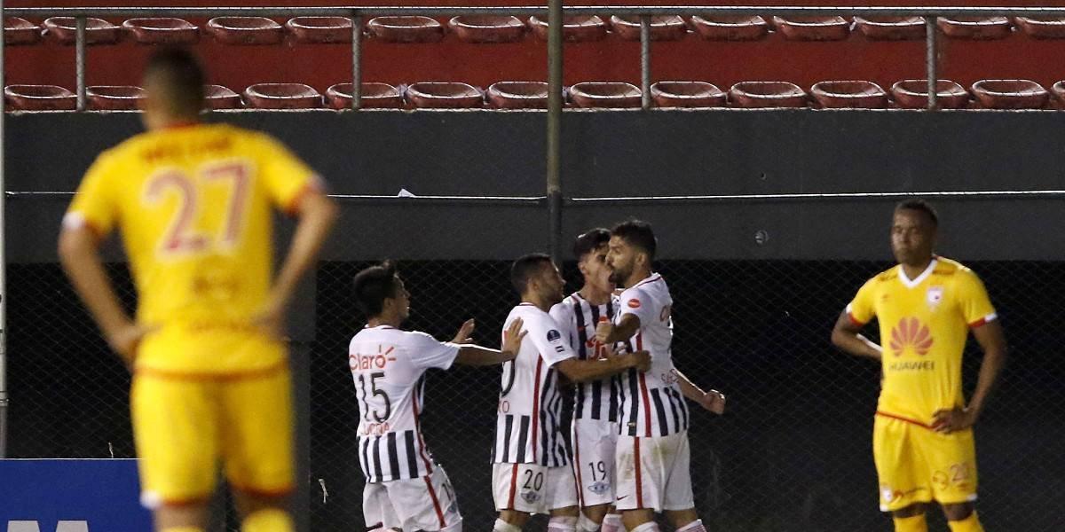 ¡Jaque al León! Santa Fe perdió en Paraguay y deberá darlo vuelta en Bogotá