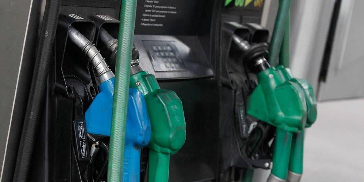 No hay tregua en vacaciones: precio de gasolinas vuelve a subir este jueves