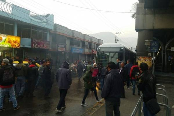 Algunos transportistas protestaron en el sur de Quito