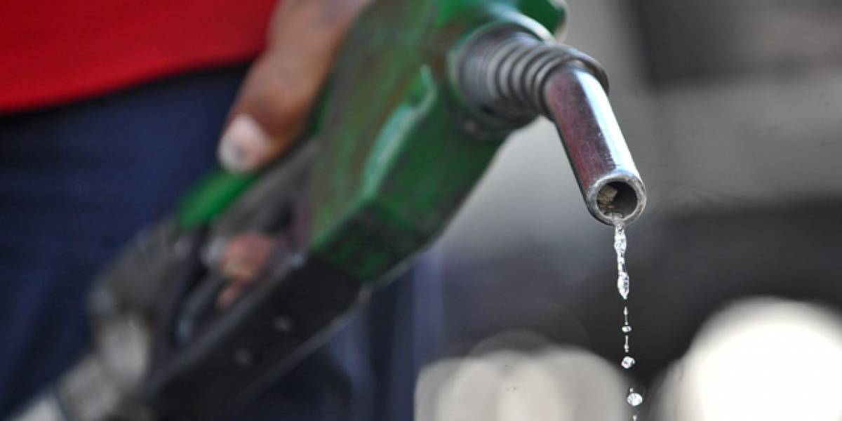 Gasolina regular baja 3 pesos pero el gasoil sube 2