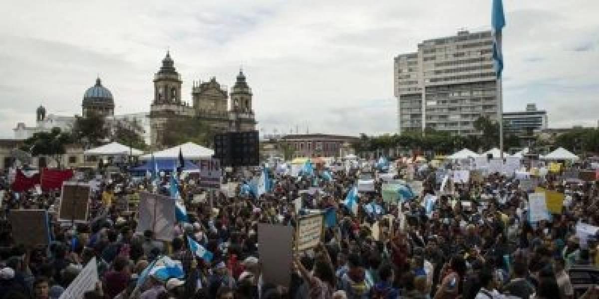 Las manifestaciones y oraciones regresan a la plaza