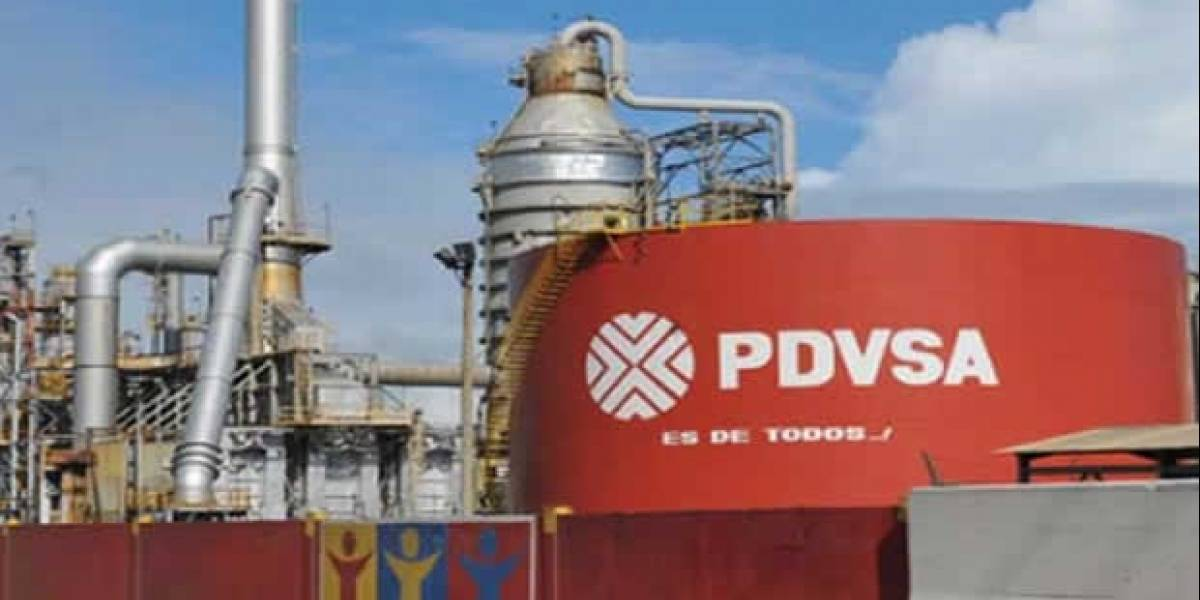 EE.UU. prohíbe negociaciones de deuda y capital de Venezuela y PDVSA