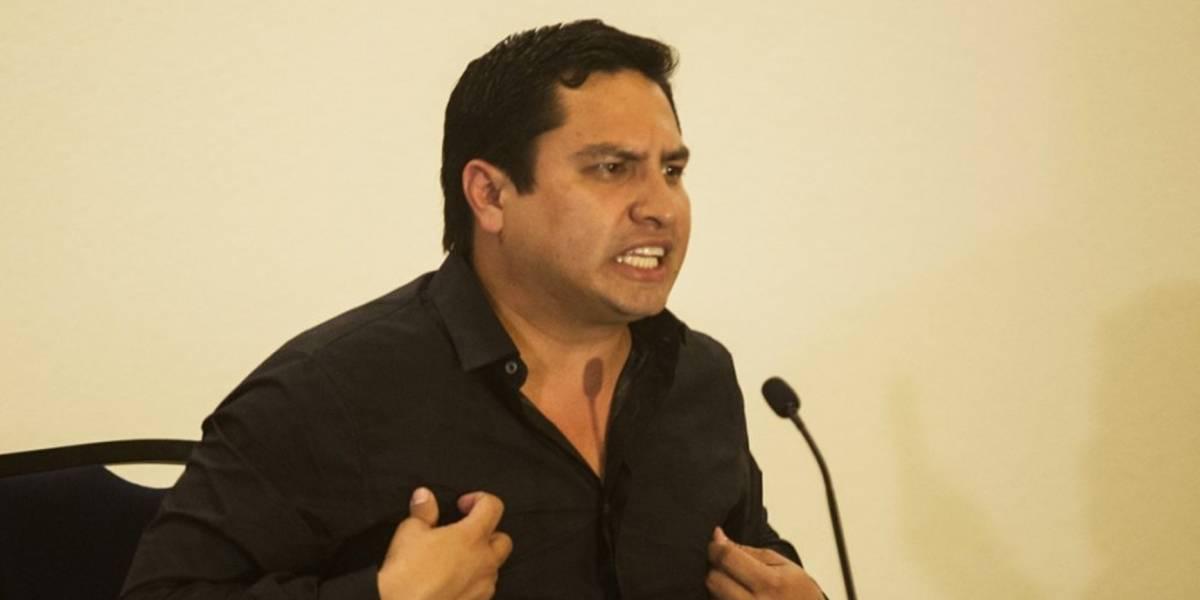 Mhoni Vidente predice alarmante futuro para Julión Álvarez