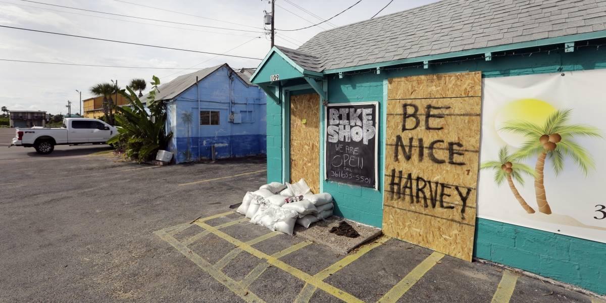 Aumentan evacuaciones debido a llegada de huracán a Texas
