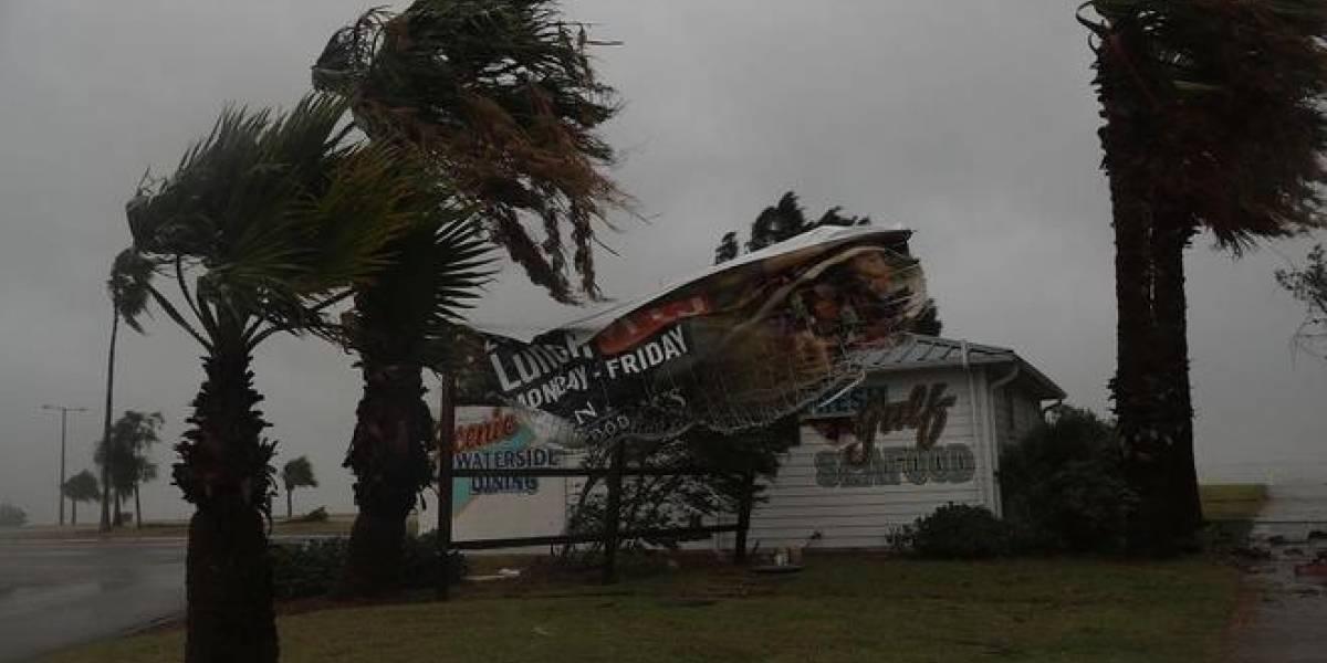 """Estados Unidos: huracán Harvey toca tierra y amenaza con """"inundaciones catastróficas"""" en Texas"""