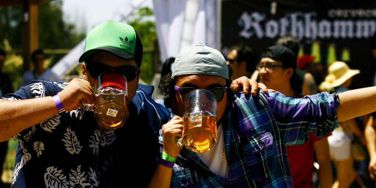 Hay algunos que quedan hablando otra lengua: aseguran que beber alcohol te ayuda a aprender idiomas